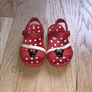 Toddler Minnie Mouse Crocs sandal size C6